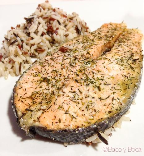 detalle Salmón con arroz emplatado cocinado con LeKue