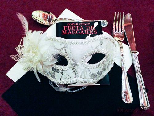 cena cubat fiesta de mascaras cubat baco y boca