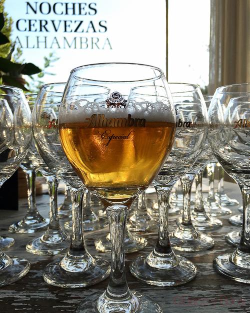 cerveza en copa alhambra baco y boca