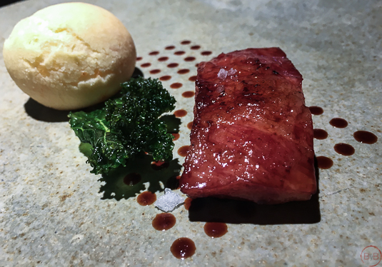 pao-de-queio-com-costela-alquimia-fogo-menu-degustacion