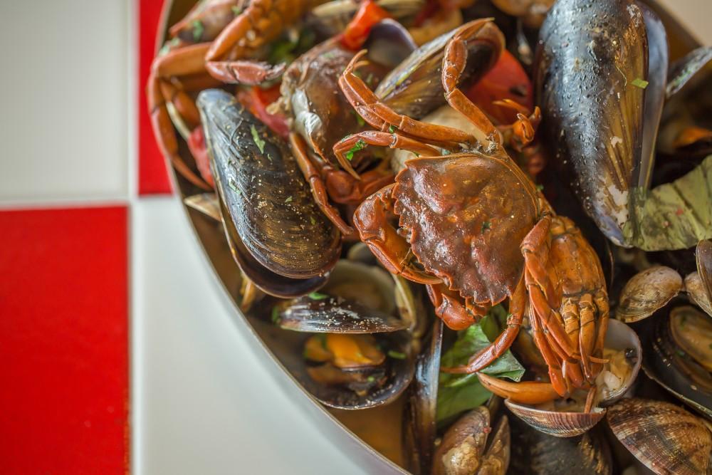 El marisco es uno de los pilares del restaurante Velissima, en Marina Vela.