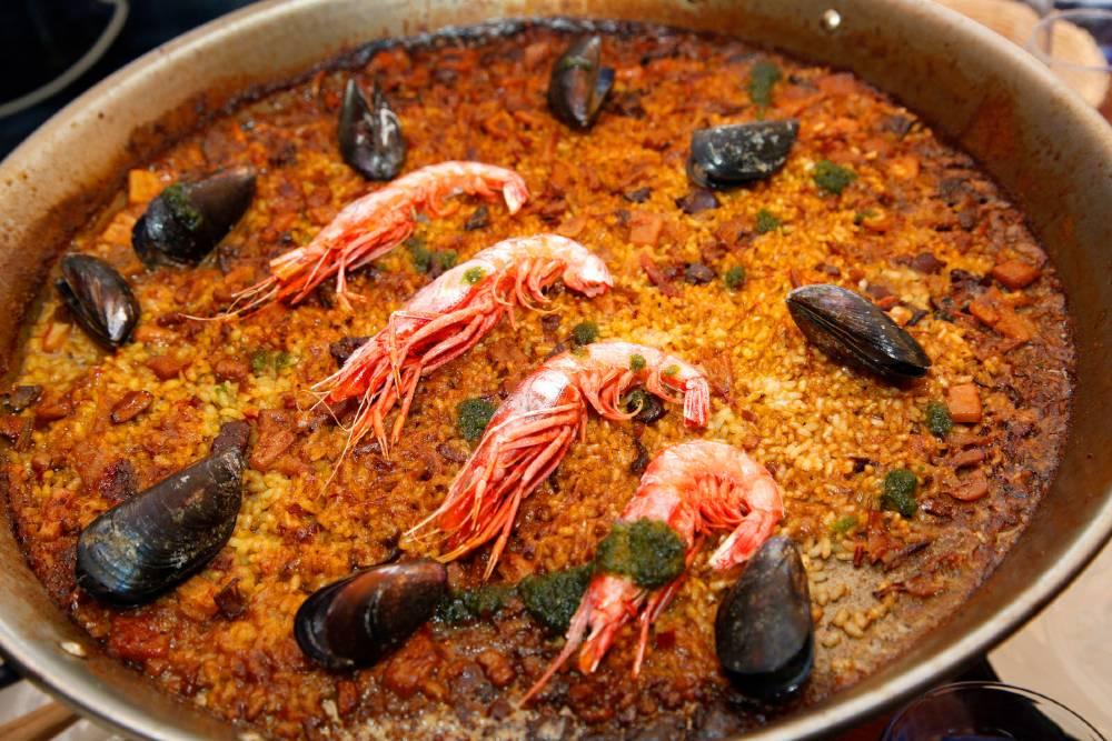 Arroz de gambas rojas, calamares y mejillones de roca del restaurante Tejada Mar.